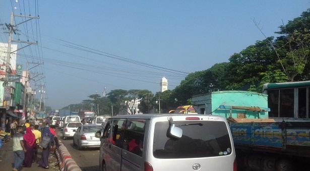 ঢাকা-আরিচা মহাসড়কে দীর্ঘ যানজট